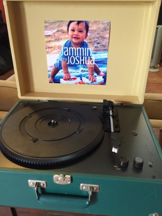 jammin-with-joshua-record-player